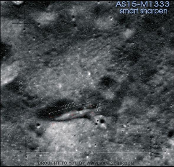 052b-Alien-spaceship-on-the-moon-Ship-Size-smart-sharpen-best-image-